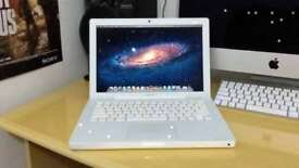 Apple Macbook White 13' Adobe CS6 Logic Pro 9 GarageBand Final Cut Pro X Traktor 2Ghz 4GB 120GB HD