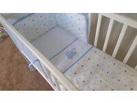 White crib with mattress good condition