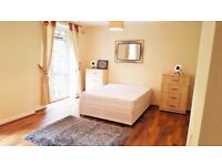 Amazing King Size Bedroom Is available for Couple With Private Garden & ALL BILLS INCLUDED