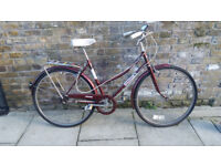 Ladies classic RALEIGH-style 3-speed town bike. In excellent condition and fully serviced. 50cm