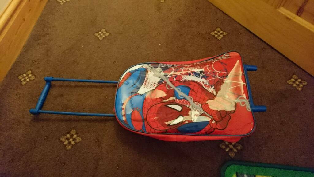 Spiderman child suitcase pull along