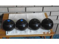 Lawn green bowls. HENSELITE SUPER GRIP Size 7. Used but still usable. No Bag