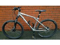 Hybrid/Mountain Bike - not carrera
