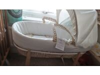 Moses Basket Very Good Condition (FOR SALE)