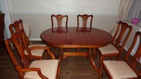 Dinning table and 6 chairs (will extend to larger table)