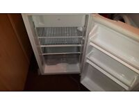 selling my fridge in ex cond small freezer compartment first to c will buy £35