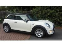 MINI COOPER D 2014 Excellent looker! Full Chilli pack !