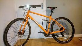 Bicycle Pinnacle Lithium 2 Road Bike Hybrid + Fitted Titanium D-Lock + pump, accessories