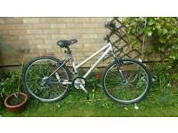 Ladies giant bike ** fully serviced can deliver **