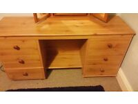 Allston Make-up dresser/table