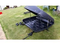 Halfords Roofbox and 2 sets of roof bars