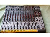 Behringer 2222FX Mixer