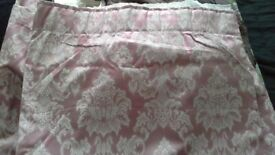 Reduced Jacquard curtains