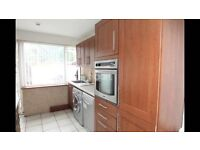 3 bed House in Farnham road Slough Dss considerable
