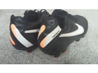 Nike Tempo Football Boots Size 7