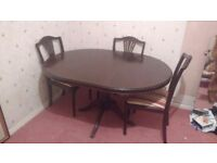 Dining Room table. X3 chairs. Buyer collects. £50