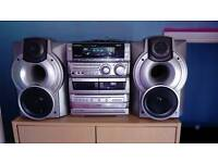 Aiwa stereo system with speakers