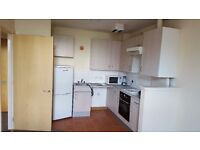 1 bedroom 2nd floor flat in Causeyside Street Paisley. Offered unfurnished. £325 monthly