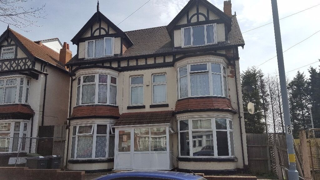 *DOUBLE ROOM 1 AVAILABLE*ALL BILLS AND WIFI INCLUDED**WEEKLY COMMUNAL CLEANER**DSS ACCEPTED*MANSEL**