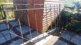 Heavy duty ladder type roof rack