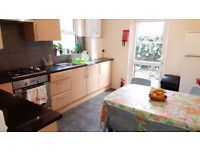 @Double room single use available now in Willesden green@