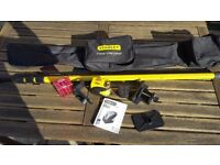 Stanley FatMax CLLi cross line laser level kit and bag.