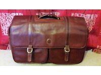 Gino Ferrari faux leather travel case