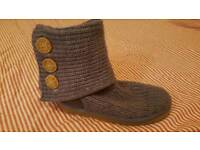 Genuine ugg boots size 4 brown size 3.5 purple