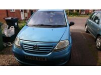 citroen c3 spares or repair need MOT widscreen cracked rest ok start and drive well