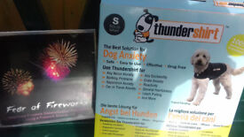 Thunder Jacket small fit dog 7-11 kilos. Excellent condition. Plus Fear of fireworks CD