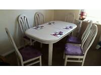 Dinning room table extendable solid wood with 6 chairs. Edinburgh