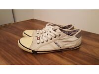 Mustang Mens Shoes Textile Trainers In White- Size Uk 9 / Eu 43