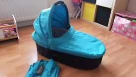 OYSTER CARRYCOT WITH COLOUR PACK AND RAIN COVER