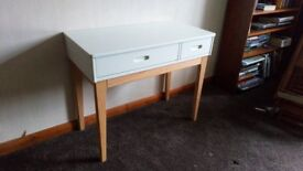 Madedotcom Linus Desk New ex display excellent condition Can deliver