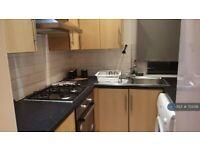 3 bedroom flat in Chirnside Road, Glasgow, G52 (3 bed) (#755018)