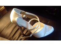 Shoes size 4 ivory