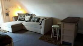 Bijoux Self Contained Studio Flat with Balcony £70 p/w