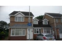 Single bedroom - 3 Bed House- Weston Favell - Tesco - Cul de sac- Parking - Quiet house