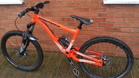2012 Commencal Supreme 6 mini downhill dh bike M