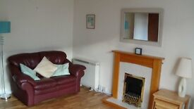Spacious 1-bedroom end-terraced furnished bungalow Flat.