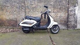 Aprilia Mojito Custom 125 scooter not honda vespa gilera