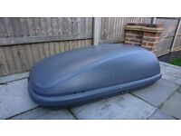 Halfords 420L Lockable Grey Roof Box - Great condition, hardly used