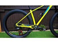 Specialized Fuse Expert 6Fattie 27.5 Plus Mountain Bike