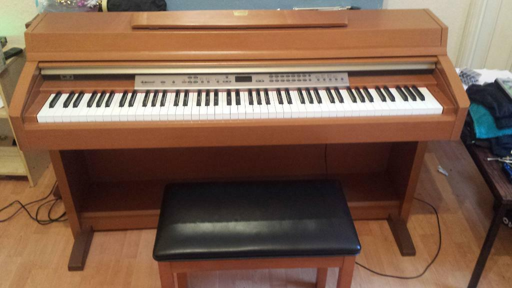 reduced price yamaha clp 240 digital piano with stool for sale in maryhill glasgow gumtree