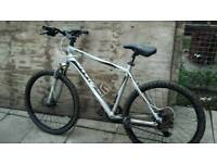 Giant peddle bike 26inch wheels forsale or swap £80