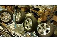 Set of 4 Discovery sport wheels and tyres