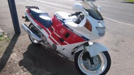 HOND CBR 1000 FT LONG FOR SALE OR SWAP SAAB FORD BMW P38 ??
