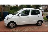 2012 HYUNDAI i10 automatic; amazing condition full service history & ULTRA LOW MILEAGE