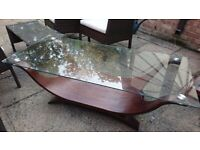 Large glass centre table in very good condition