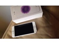 IPHONE 6 cracked silver works fine box charger